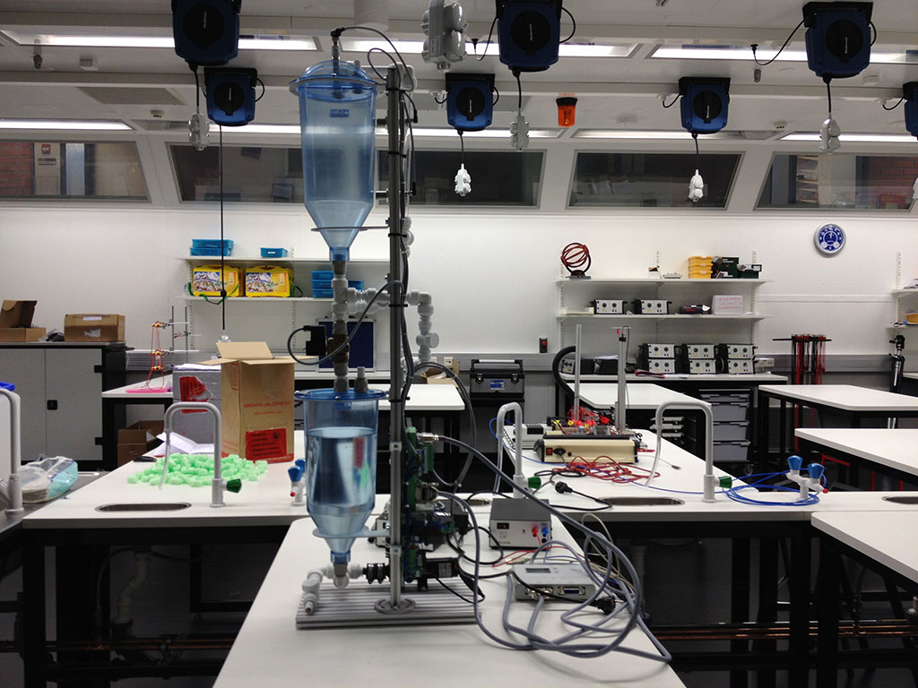 Biofilia lab - the flow of water is controlled by student's programs
